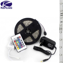5 M 3528 2835 tira impermeable LED RGB IP65 banda de luz LED 12 V 60 LEDs / M iluminación exterior tiras LED para la decoración navideño, CE