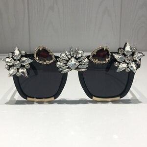 Image 2 - Custom made kryształowe luksusowe okulary przeciwsłoneczne damskie Bling Rhinestone Oversize kwadratowe markowe okulary przeciwsłoneczne okulary Vintage odcienie damskie