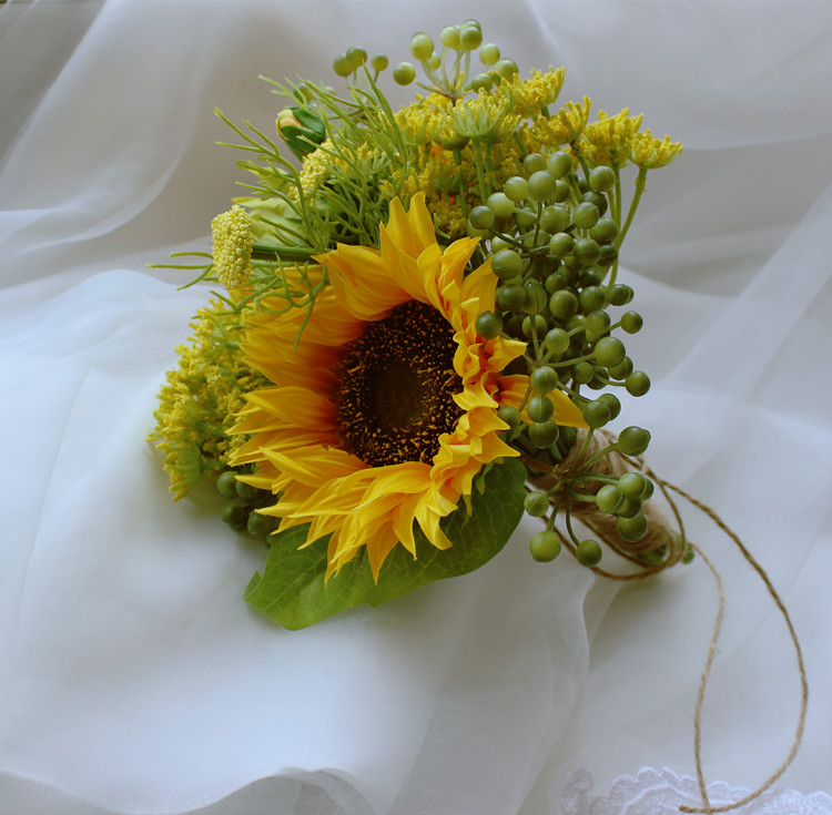 Купить с кэшбэком Yellow sunflowers Buquet For Brides Wedding Outside Wedding Artificial Wedding flowers Bridesmaid flowers de noiva Bouquets