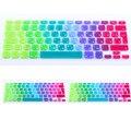 New euro versión ruso español colorido cubierta del teclado del silicón para macbook air 13 pro 13 15 17 retina protector del arco iris