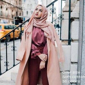 Image 1 - 特大無地女性スカーフファッション固体ビスコース綿タッセルカラーロングスカーフイスラム教徒基本ヒジャーブヘッドスカーフ 10 個高速配送