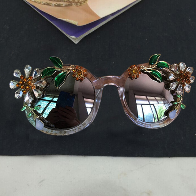 dc3b9ac35 2017 جديد أزياء الباروك المرأة بنات كريستال زهرة شمس الصيف شاطئ نظارات  شمسية ماركة الرجعية الفاخرة