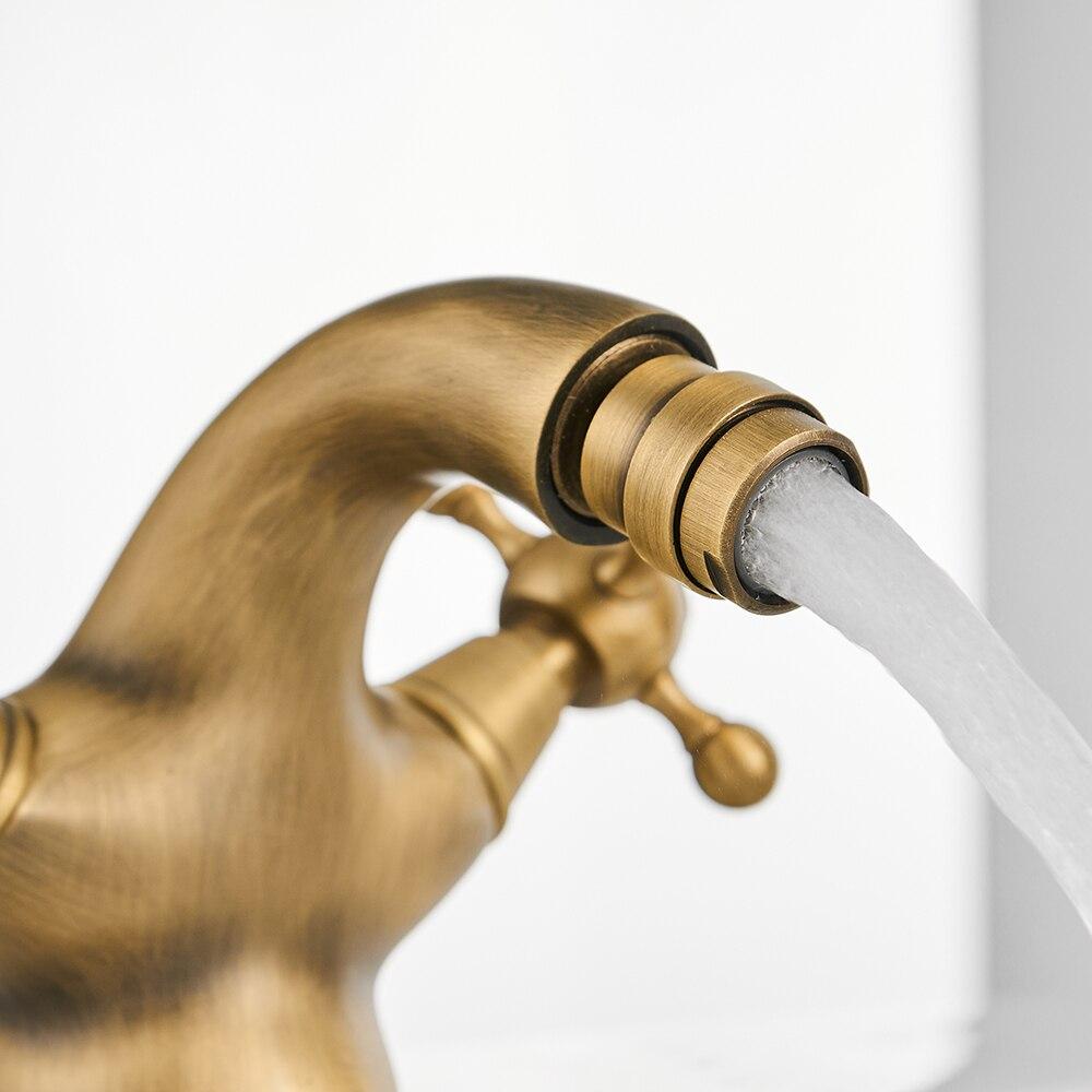 Antique Bidet Faucet Two Ceramic Swivel Handles Water Bathroom Sink Brass Single Hole Deck Mounted Water Mixer Tap 7313