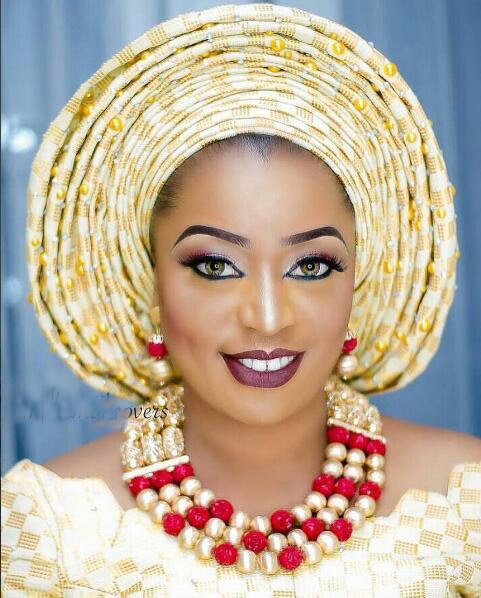 HTB1rCcGoHsTMeJjSszgq6ycpFXa7 Splendid Nigerian Wedding Coral Statement Jewelry Set Handmade Coral Beaded African Necklace Bracelet Earrings Set Gold CNR079