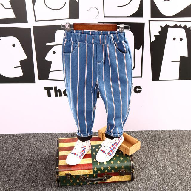 2017 Otoño Y El Invierno Nuevo Diseño Niños Pantalones Del Bebé y el Bebé Boy Retro Con Engrosamiento de Terciopelo Pantalones Vaqueros Rayados Niños ropa