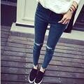 Женские джинсы 2017 Весной и Осенью брюки ноги плюс размер женщин джинсы личности отверстие высокой талии джинсы женский прилив MZ310