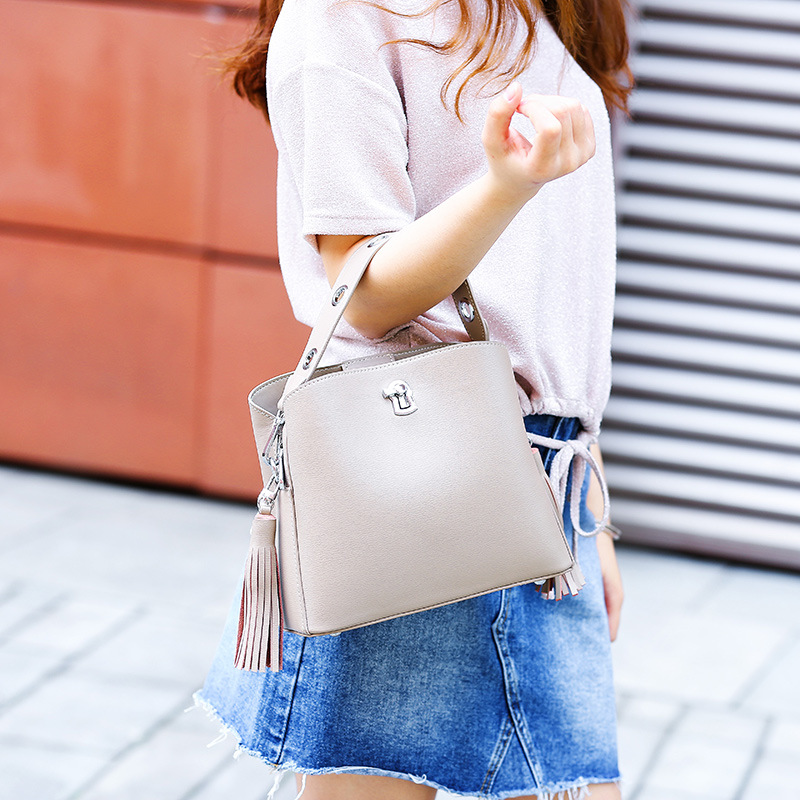MZORANGE 2019 New Tassels Bucket Bags Women 39 s Genuine Leather Shoulder Bag Wide Strap Ladies Bag Europe Fashion in Shoulder Bags from Luggage amp Bags