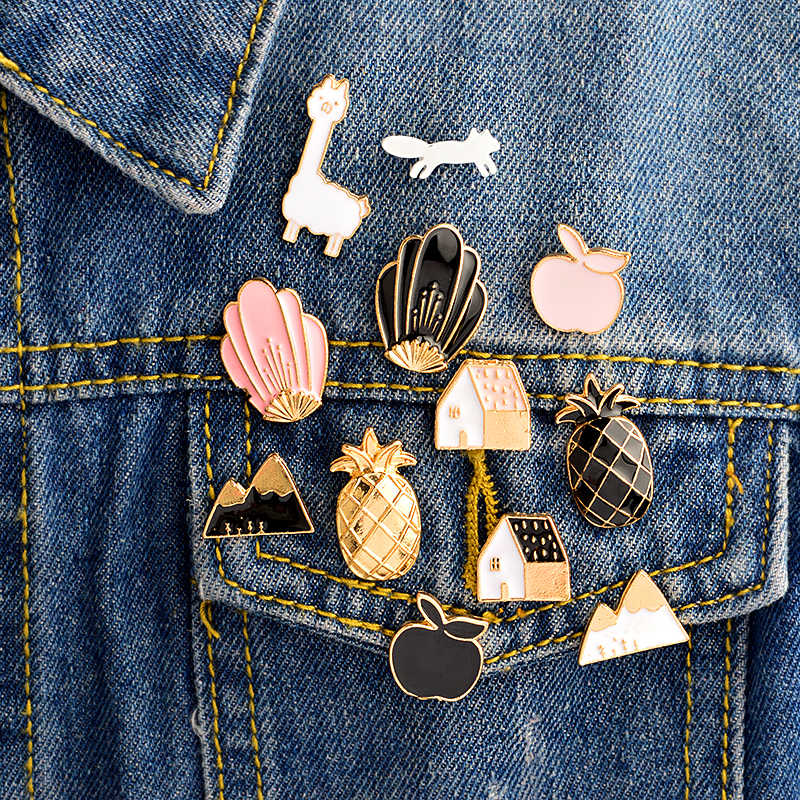 12 Buah/Set Alpaka Bunga Mountain Pine Apple Rumah Tupai Apple Pin Set Lencana Keras Pin Enamel Bros Pin Grosir