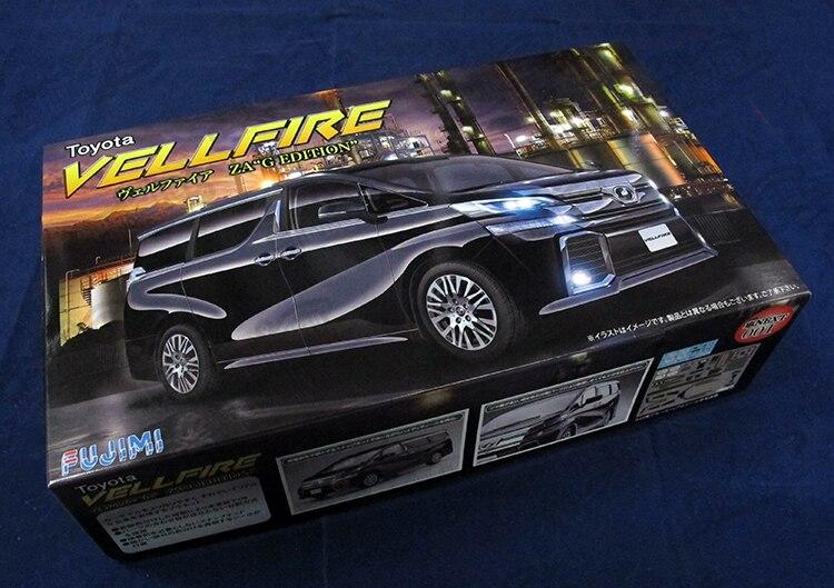 Montaggio 1/24 TOYOTA Vellfire Auto Aziendali 06600Montaggio 1/24 TOYOTA Vellfire Auto Aziendali 06600