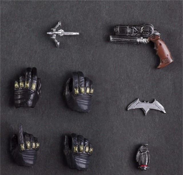 Коллекционная фигурка Бэтмен PlayArts на заре справедливости 3