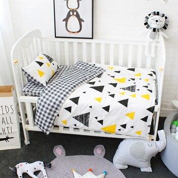 3 Pcs Baby Bettwäsche Set Reine Baumwolle Kinderbett Kit Für Neugeborene Kinder Krippe Bettwäsche Sind Bettbezug Kissenbezug Flache blatt-in Bettwäsche-Sets aus Mutter und Kind bei