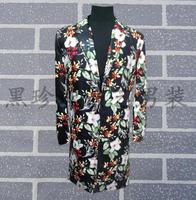 A medio-lungo abbigliamento in pelle uomini vestiti di fiori disegni uomini giacca danza costumi di scena per cantanti giacca stile della stella del vestito punk