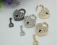 Cadeado para bagagem pçs/lote, acessórios de equipamento para bagagem em formato de coração dourado, cadeado/gaveta/saco, cadeado chaveiro