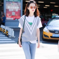 2018 fall new preppy style V neck sleeveless hit the color V striped girl casual loose vest sweater