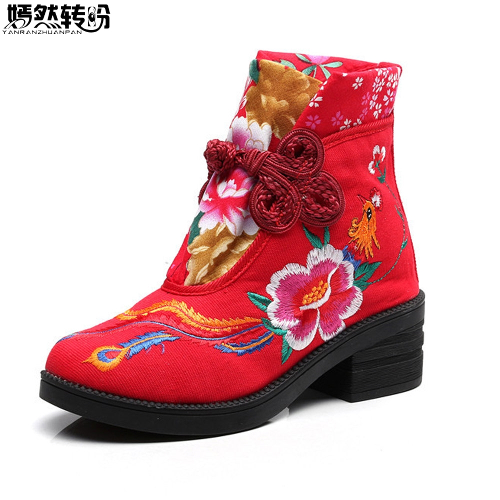 купить Chinese Winter Women Boots New Flower Phoenix Embroidered Casual Canvas Ankle Boot Vintage Cotton Booties Shoes Boats Mujer по цене 1783.55 рублей
