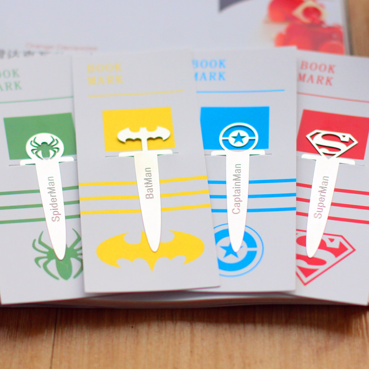 1pcs Metal Bookmark Cartoon Superhero League Book Holder Bookmarks For Books Stationery School Office Supply Escolar Papelaria