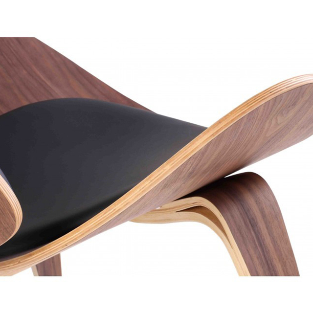 Фото стул с трехножным корпусом в стиле ханса вегнера черная фанера
