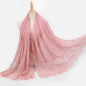 Image 3 - 1 Pc populaire dentelle bords écharpe Hijab femme plaine Maxi châle enveloppement fleur blanc dentelle Foulard doux coton musulman Hijabs écharpes