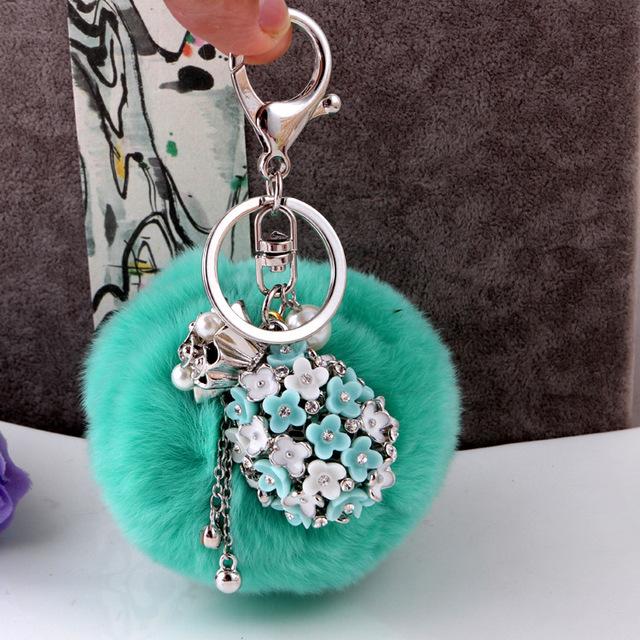 Nueva llegada multicolor 8 cm bola de pelo de conejo llaveros teléfono del coche del bolso de cadena de la etiqueta accesorios moda verde
