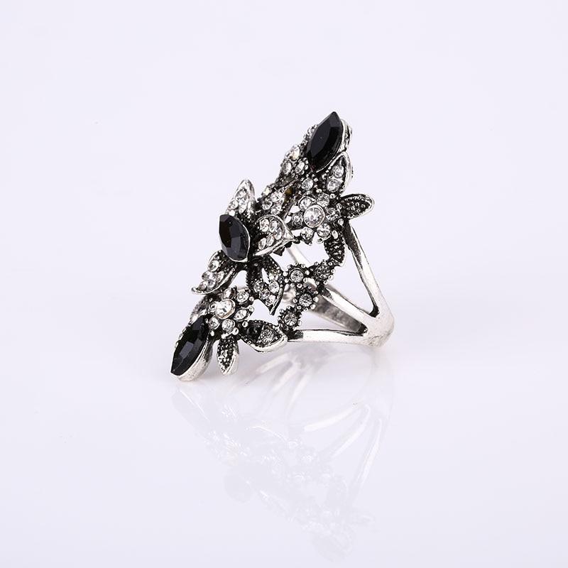 Fashion Female Vintage Elegant Big Crystal Rings For Women's Fine Jewelry Trendy Cute Retro Wedding Rings Boho Punk Party Rings