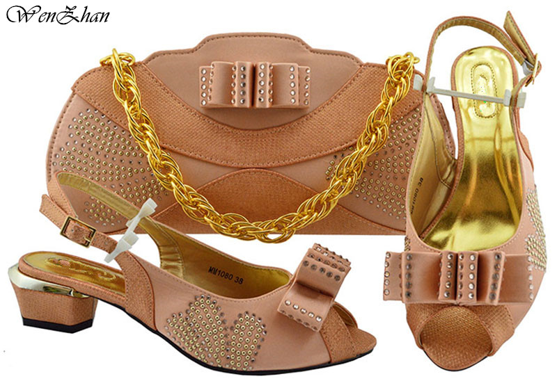 최신 신발 및 가방 세트 가장 뜨거운 골드 아프리카 신발 세트 저녁 파티 B93 2 대 한 라인 석으로 장식 된 이탈리아 구두 가방 세트-에서여성용 펌프부터 신발 의  그룹 3