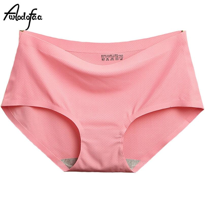 43f4f008b Hot New Ms. Briefs Shorts Moda Lingerie Sem Costura das Mulheres  Confortável Peça De Seda Gelo Underwear Feminino Verão Sexy Calcinha