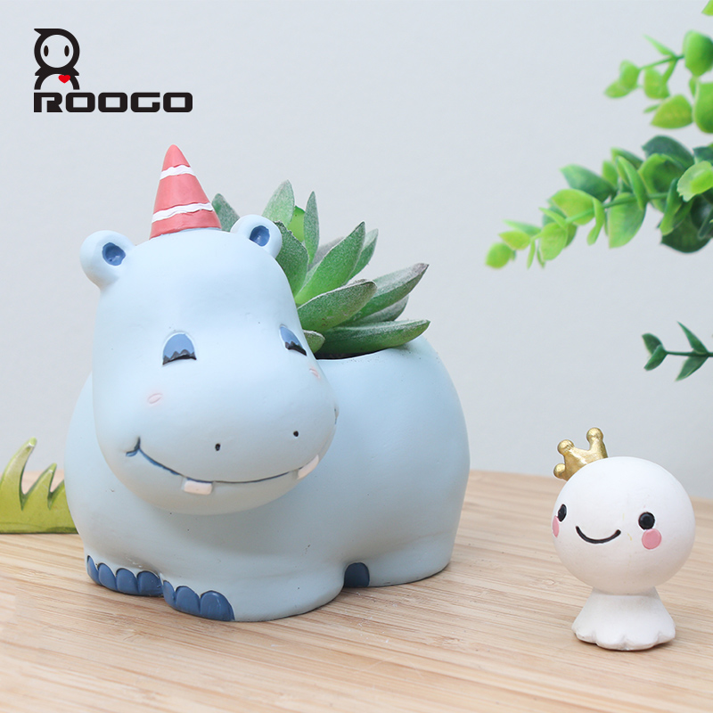 Image 2 - Roogo Resin Flower Pot Mini Succulent Planters Pot Modern Zebra Animal Flowerpot Garden Cactus Pots Home Decoration Accessories-in Flower Pots & Planters from Home & Garden