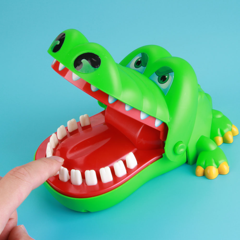 Enjoybay Large Crocodile Mouth Bite Finger Game Toys Funny Shark Bulldog Dentist Bite Finger Game Joke Toy for Kids Family Prank цена