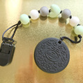 Adorável COOKIE Silicone MORDEDOR Pendant! atribui à roupa do bebê! perfeito Oreo Biscuit Pingente de Chupeta de Silicone BPA livre