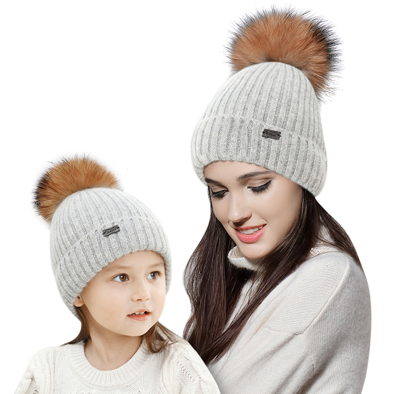 FURTALK parent-kid rabbit fur hat with pom pom leaf print tote bag with pom pom