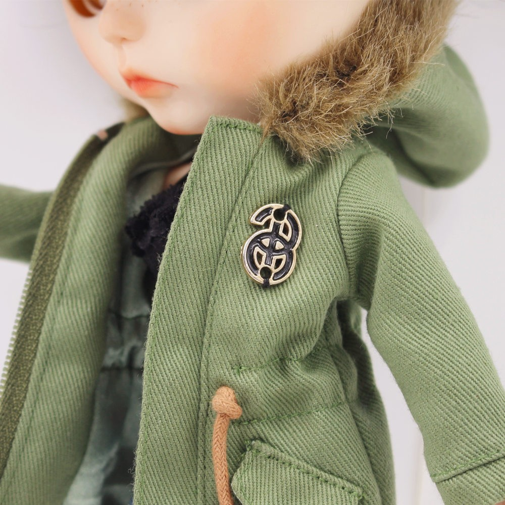 Neo Blythe Doll Denim Shorts Black Lace Bra With Green Army Jacket 5