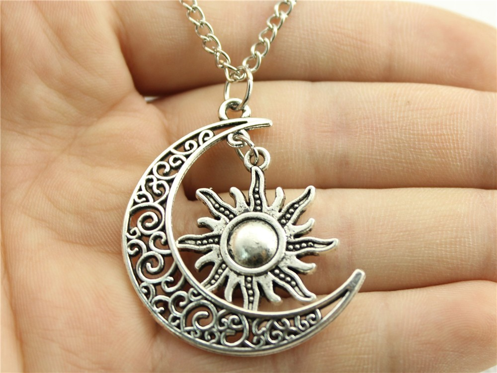 WYSIWYG Women Fashion Necklace Crescent Moon And Sun Charms Necklace 70cm Sweater Chain Necklace Dropship Suppliers