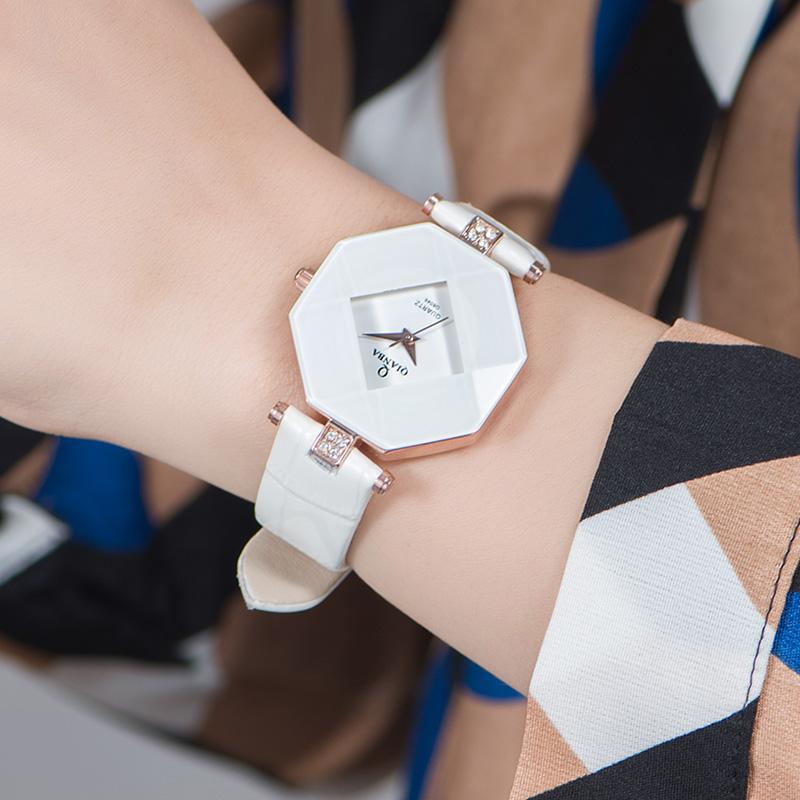Prix pour QIANBA 2016 Femmes de Marque De Luxe Bracelet En Cuir Casual Quartz Montres Lady Élégant Imperméable Populaire Montres De Mode Cadeau