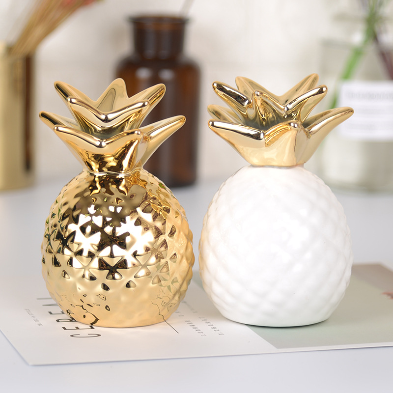 European Style Golden/White Pineapple Ceramic Ornament Personalized Modeling Gold Coin Piggy Bank Storage Home Office Decor GiftEuropean Style Golden/White Pineapple Ceramic Ornament Personalized Modeling Gold Coin Piggy Bank Storage Home Office Decor Gift