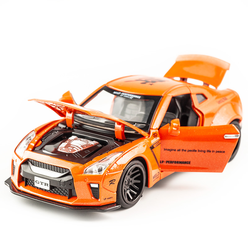KIDAMI 1:32 AMG Nissan GTR Diecast Vehicle Model Toy Cars Pull Back Car With Sound Light Gift Collection For Kids Adult For Boys