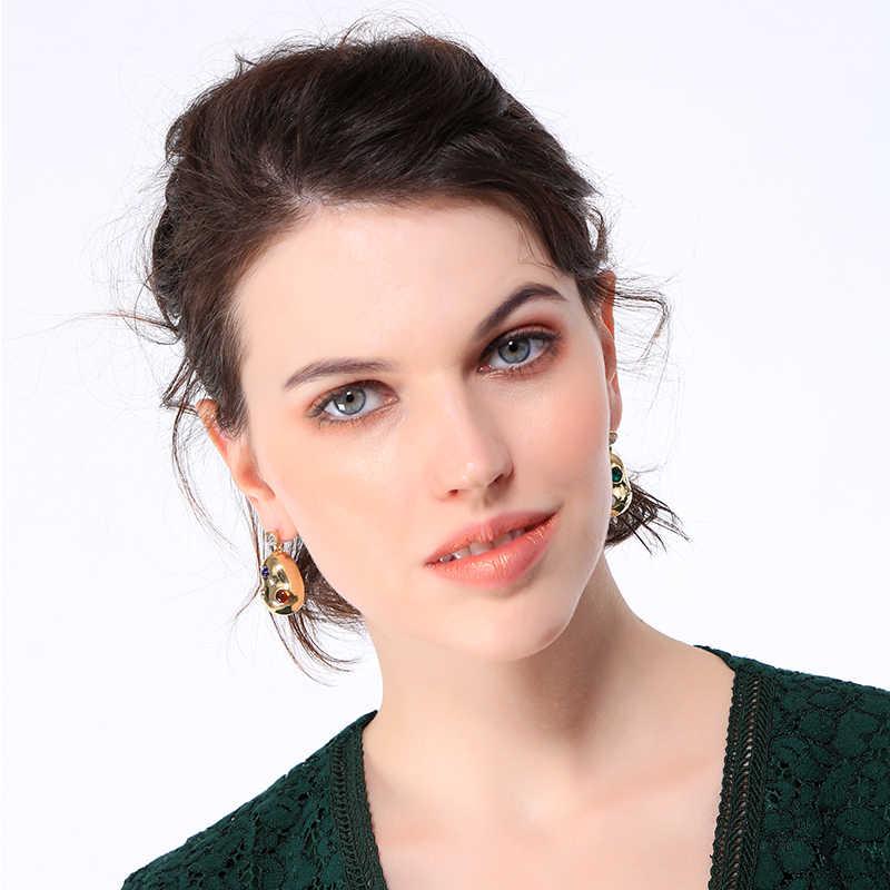 キス私女性不規則なイヤリングゴールドカラー合金樹脂ラインストーンドロップイヤリング高級ジュエリーアクセサリー