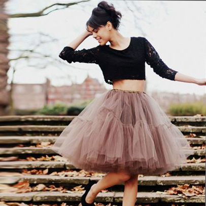 017837d6ee97 New Elegant 2015 Summer Style 5 Layers Long Celebrity Skirts Womens  Princess Midi Tutu Tulle Skirt Party Gowns YJQX00010-in Skirts from Women s  Clothing on ...