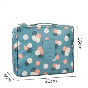 Image 2 - Mode voyage Nylon beauté maquillage sacs imperméable à leau cosmétiques sacs salle de bain organisateur de femmes Portable bain crochet lavage sac