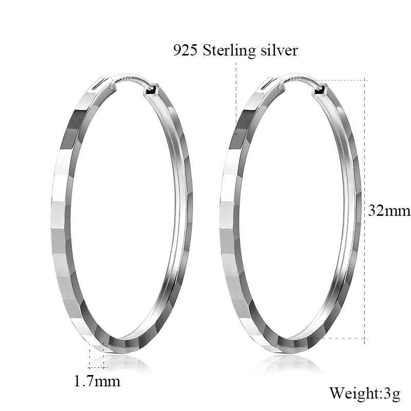 Pretty Sterling Silver 925 Earrings 1 14 Diameter Very Nice! Marked 925