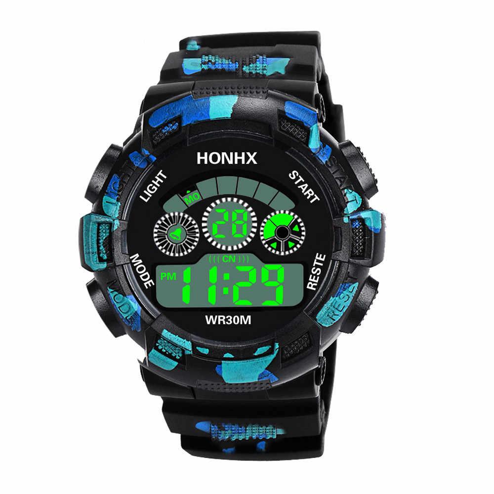Montres الرياضة ساعة الرجال Smael الفاخرة إنذار ساعة عادية متعددة الوظائف Waterprooft fitnes ساعة ساعة ليد الإلكترونية