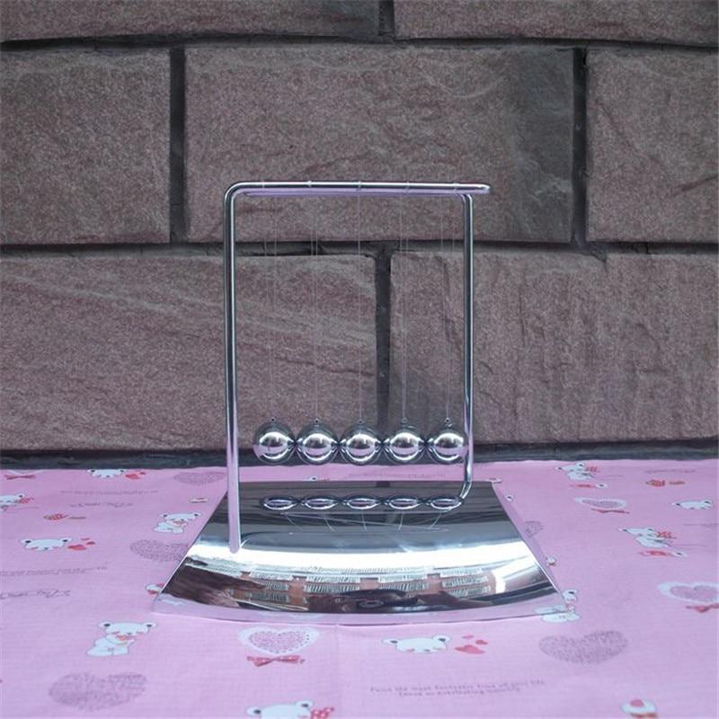 2017 Haute Qualité Newtons Cradle Boules Acier Balance Pendule Boule En Métal artisanat Décor Physique Sciences Newton boule Pour L'éducation