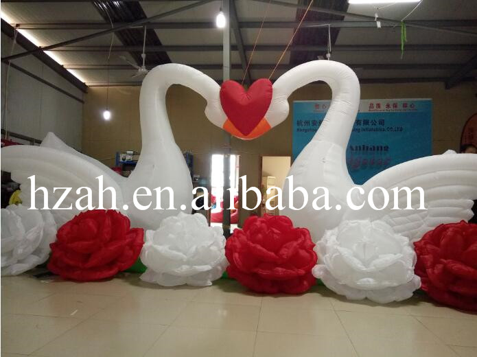 Couple Inflatable Swan Arch /Inflatable Flower for Wedding commercial sea inflatable blue water slide with pool and arch for kids