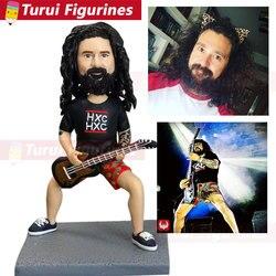Mężczyźni grać gitara basowa odtwarzacz słodkie śmieszne figurki zaprojektowany przez Turui figurki z chin gliniane figurki dostawców męskie mini statu|Posągi i rzeźby|Dom i ogród -