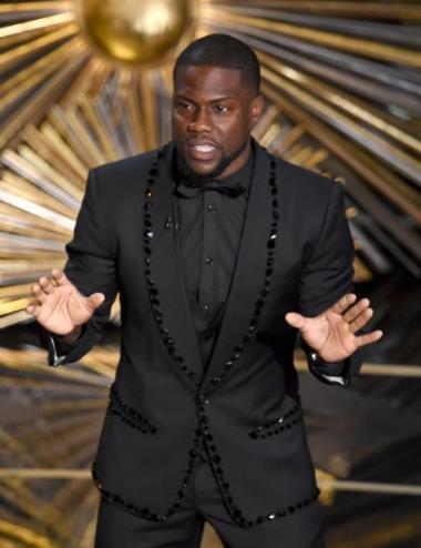 2020 ล่าสุดเสื้อกางเกงสีดำ Slim Fit Mens พรหมชุด 2 ชิ้น (เสื้อ + กางเกง + tie) เจ้าบ่าวพรหม Tuxedos ผู้ชายชุด-ใน สูท จาก เสื้อผ้าผู้ชาย บน   1