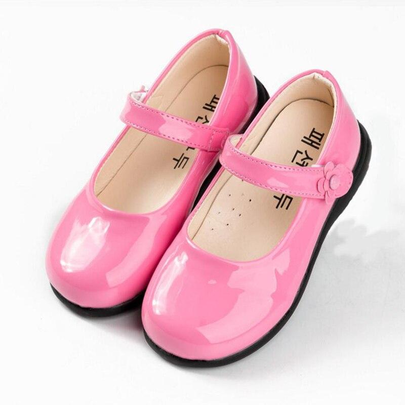 Crianças Sandálias 2018 Novo Verão Fresco Sandálias Meninas Moda Coreano  Princesa Sapatos PU sapatos de Couro a09771b4c1d