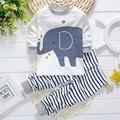 2017 Primavera chicos ropa de bebé ropa infantil marca algodón animal elefante muchachos del juego del bebé ropa pijamas traje deportivo 2 unids conjuntos