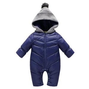 Image 3 - 冬のオーバーオールのための男の子新生児赤ちゃんフード付きロンパース厚みの暖かいジャンプスーツパッド入り幼児赤ちゃん赤防風服cl1003