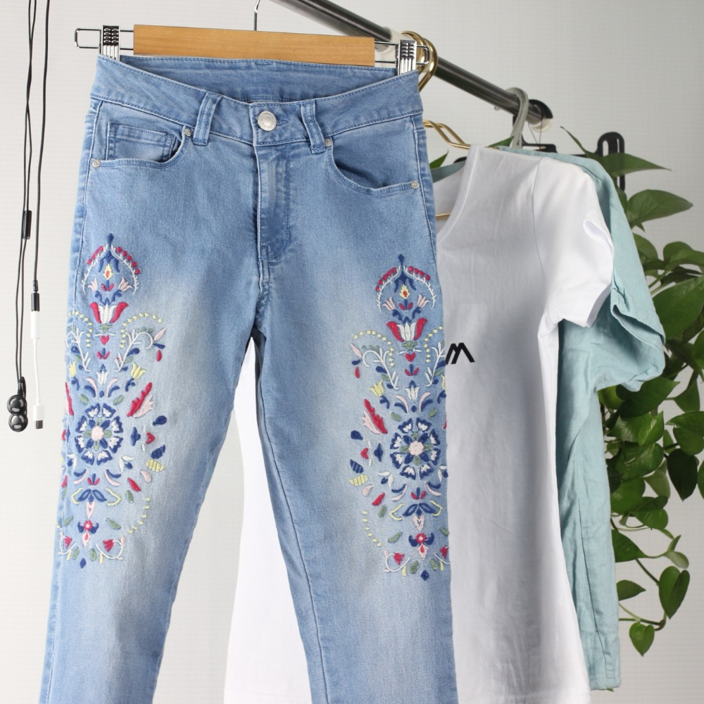2019female new mid-waist casual floral-embroidery zippers-fly straight ankle-length pants summer and fall Printed   jeans