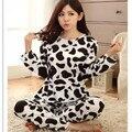 2016 Nueva Leche de Vaca Otoño Pijamas Para Mujeres Suéteres Largos Y Pantalones Leche de Vaca ropa de Noche Fija Homewear ropa de Dormir Pijamas Animal