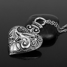 купить Tiny Necklace for Women star Pendant Necklace Gift Choker Necklace Vampire Diaries Vintage Carved Heart Shaped Pendant Necklace в интернет-магазине